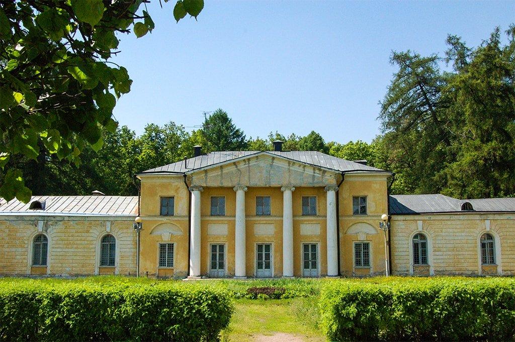Малый дворец Каприз