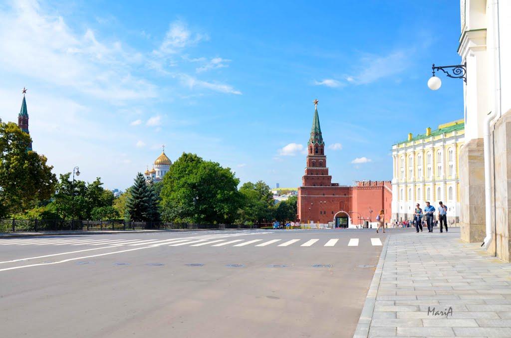 Боровицкая башня со стороны Кремля