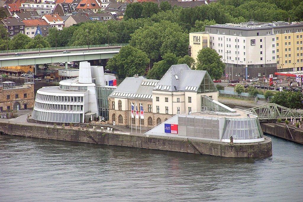 Музей шоколада, Кельн. Вид с реки