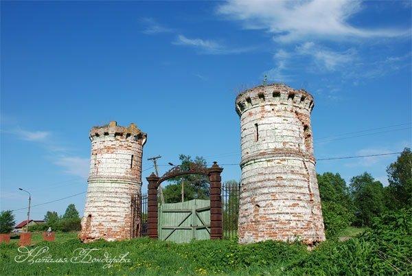 Парадные усадебные башни