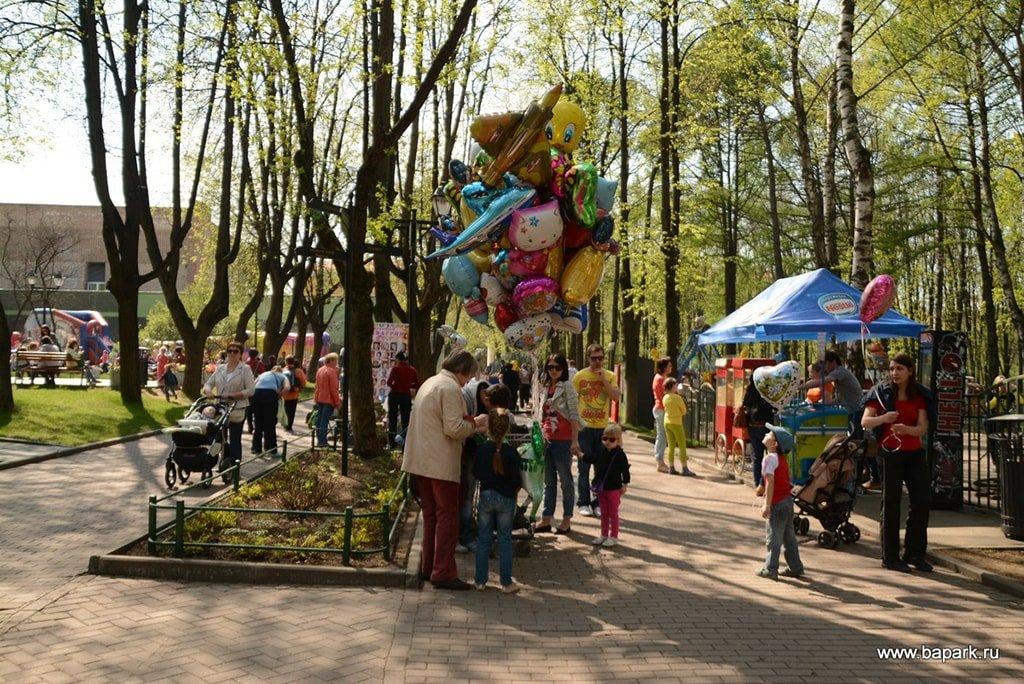 Аттракционы в парке Бабушкинский