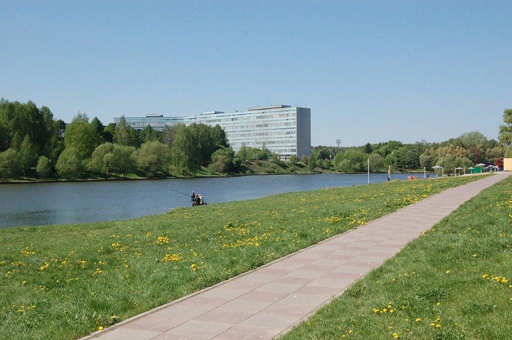 Большой городской пруд вход