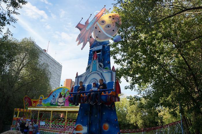 Детский парк развлечений в парке Дружбы на Речном вокзале