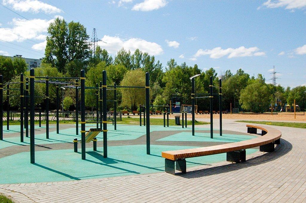 Левобережный спортивная площадка