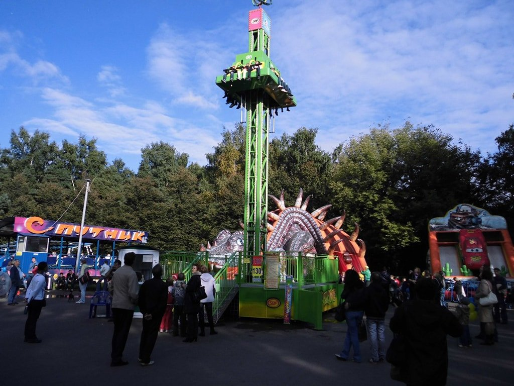 Парк аттракционов Космостар в Кузьминках