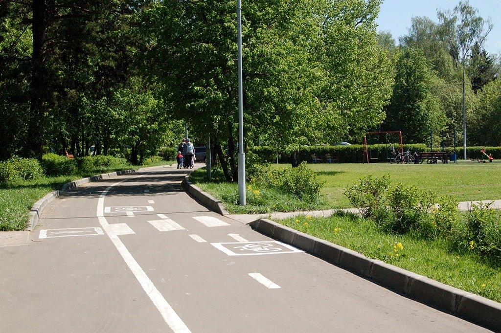 Школьное озеро дорожка для велосипедистов