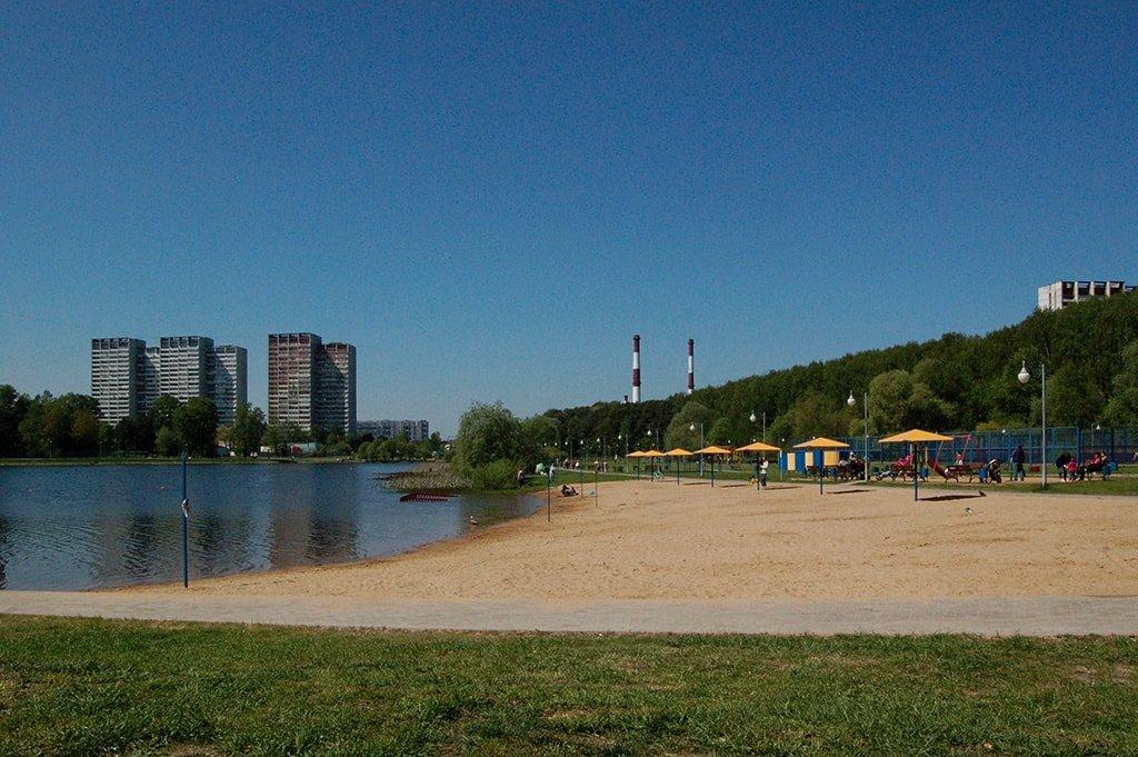 Школьное озеро пляж
