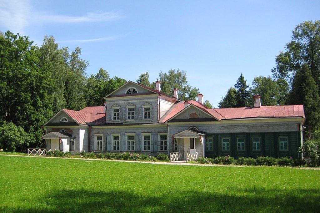 Музей-усадьба Абрамцево – место творческих людей