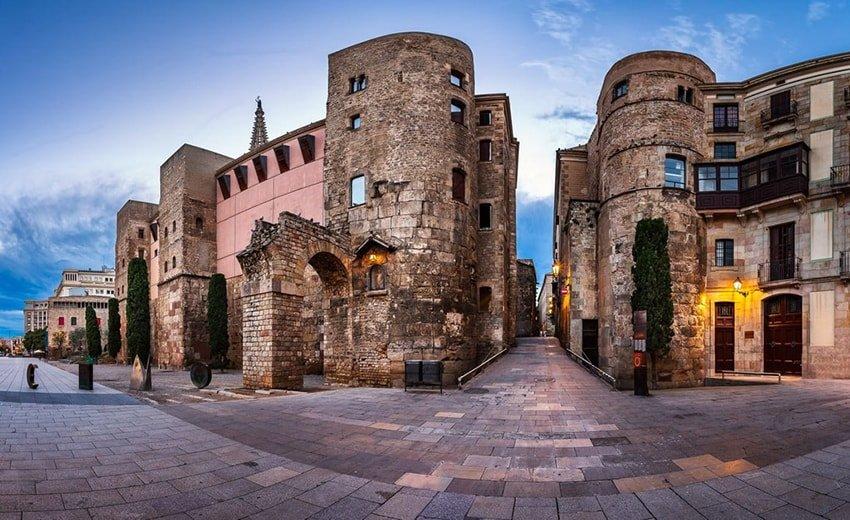 Готический квартал Барселоны Barri Gotic