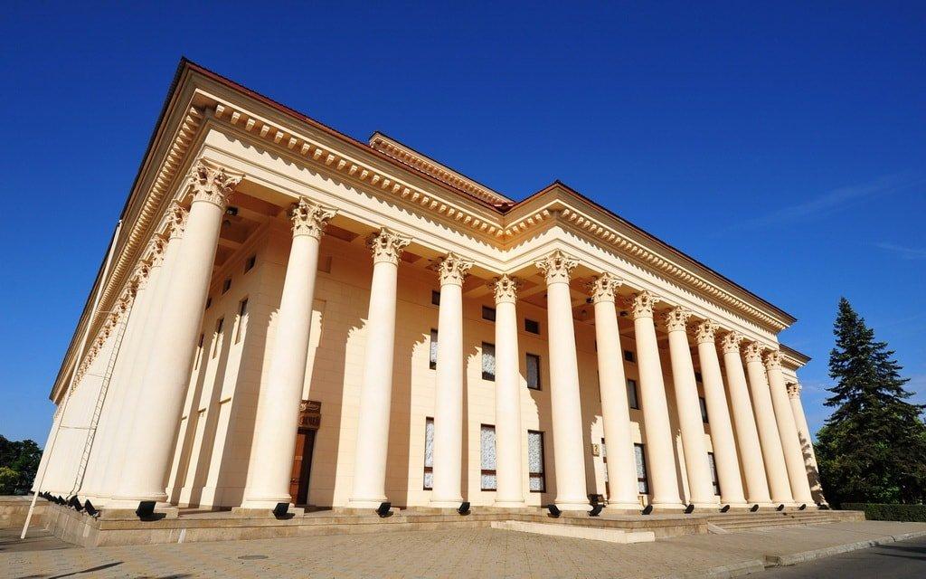 Сочинский Зимний театр