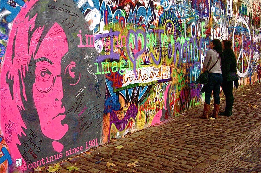 Стена Джона Леннона