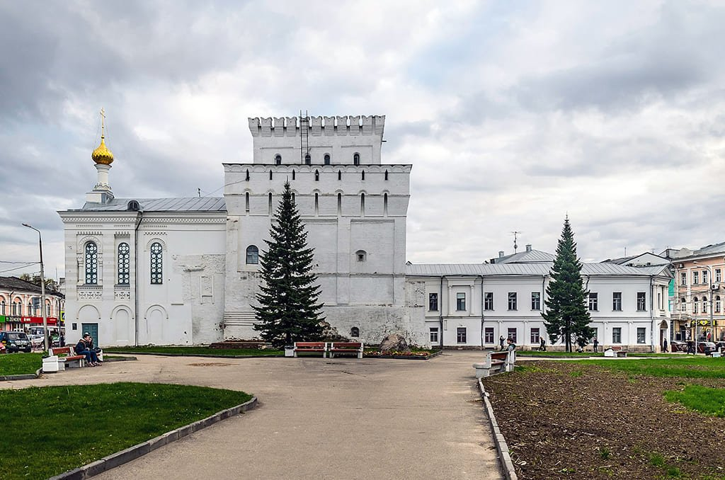 Знаменская башня