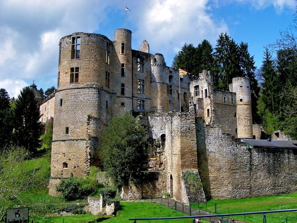 Замок Бофор