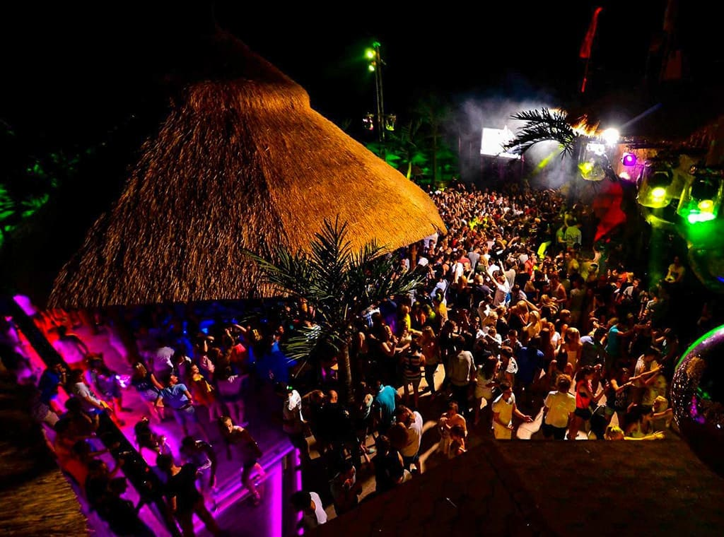 Ночной диско клуб Малибу