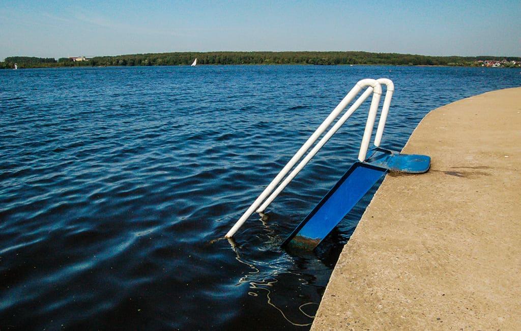 Вход в воду пляж Троицкое