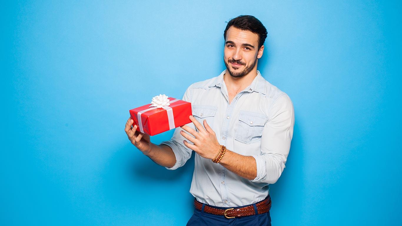 Что подарить мужчине на-23-февраля - ТОП 20 подарков